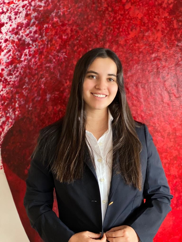 Headshot 2 768x1024 - Maria Paz Rios